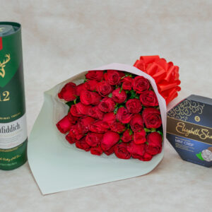 Glenfiddich Whisky and Red Roses Bouquet and Elizabeth Shaw Mint Crisp