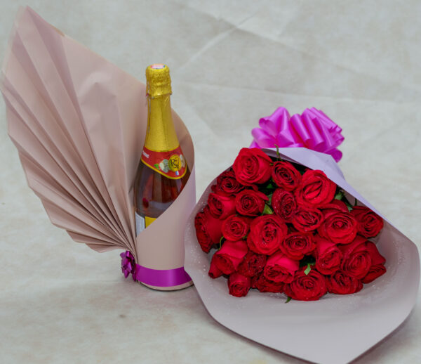 Red Roses Flower Bouquet and Rendezvous Apple Drink